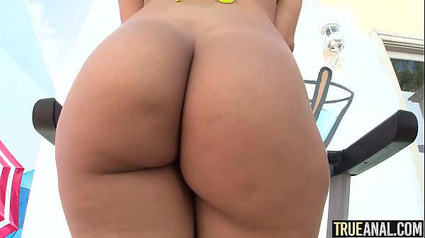 TRUE ANAL Valentina Jewels first-ever assfuck practice